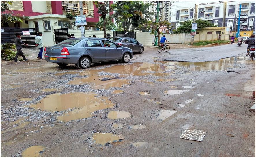 Yelenahalli_Road_potholes